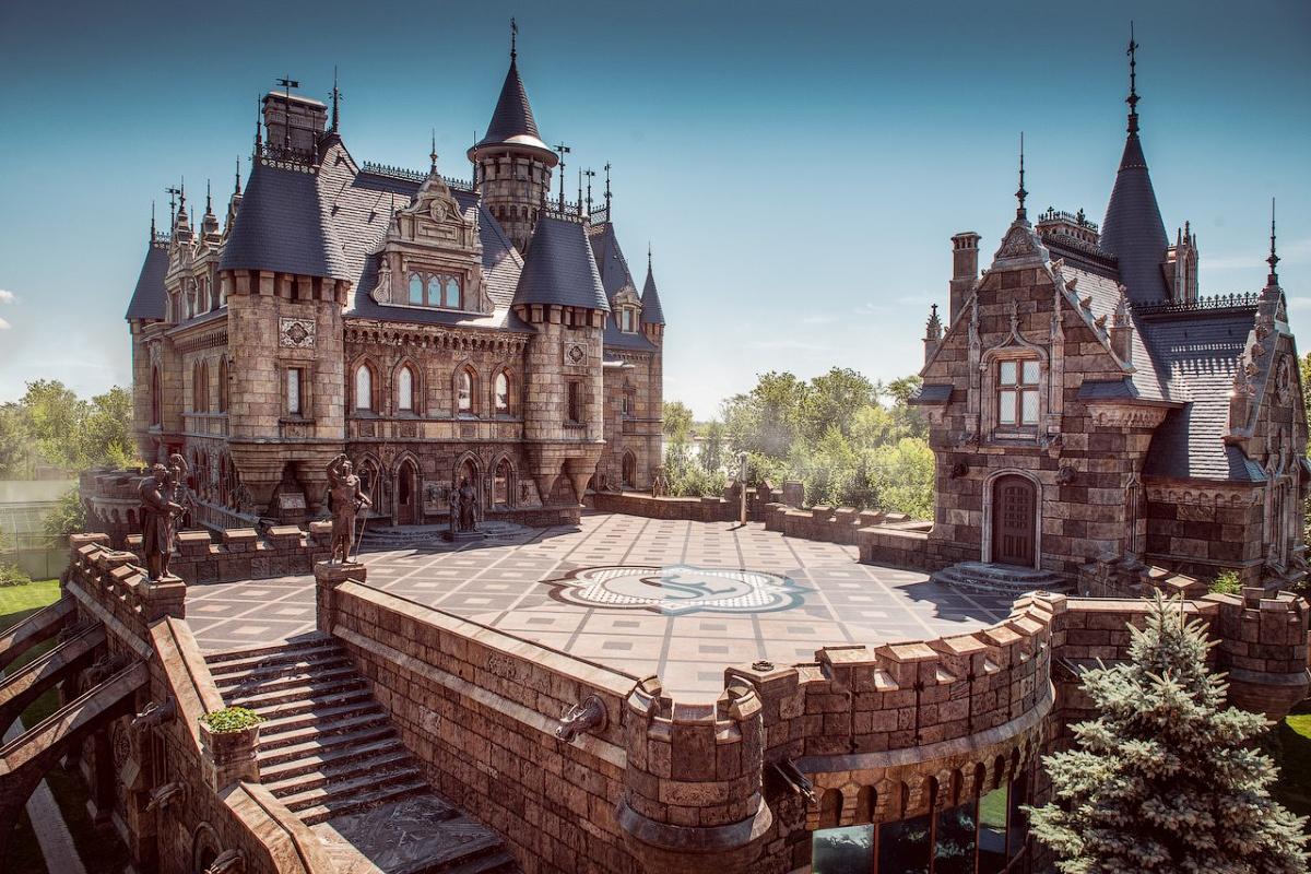 Замки и дворцы России, которые должен увидеть каждый