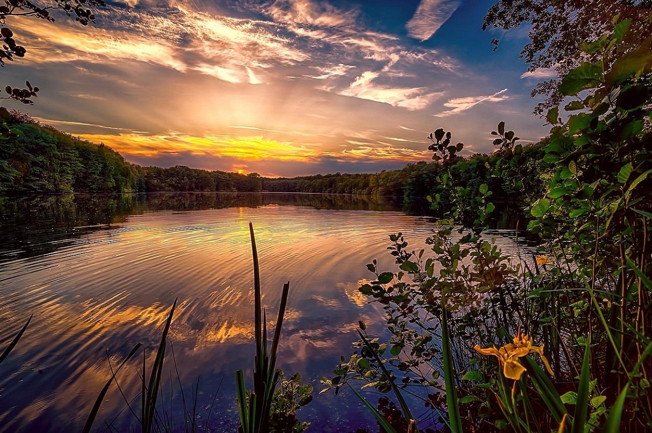 13 самых красивых и необычных озер России