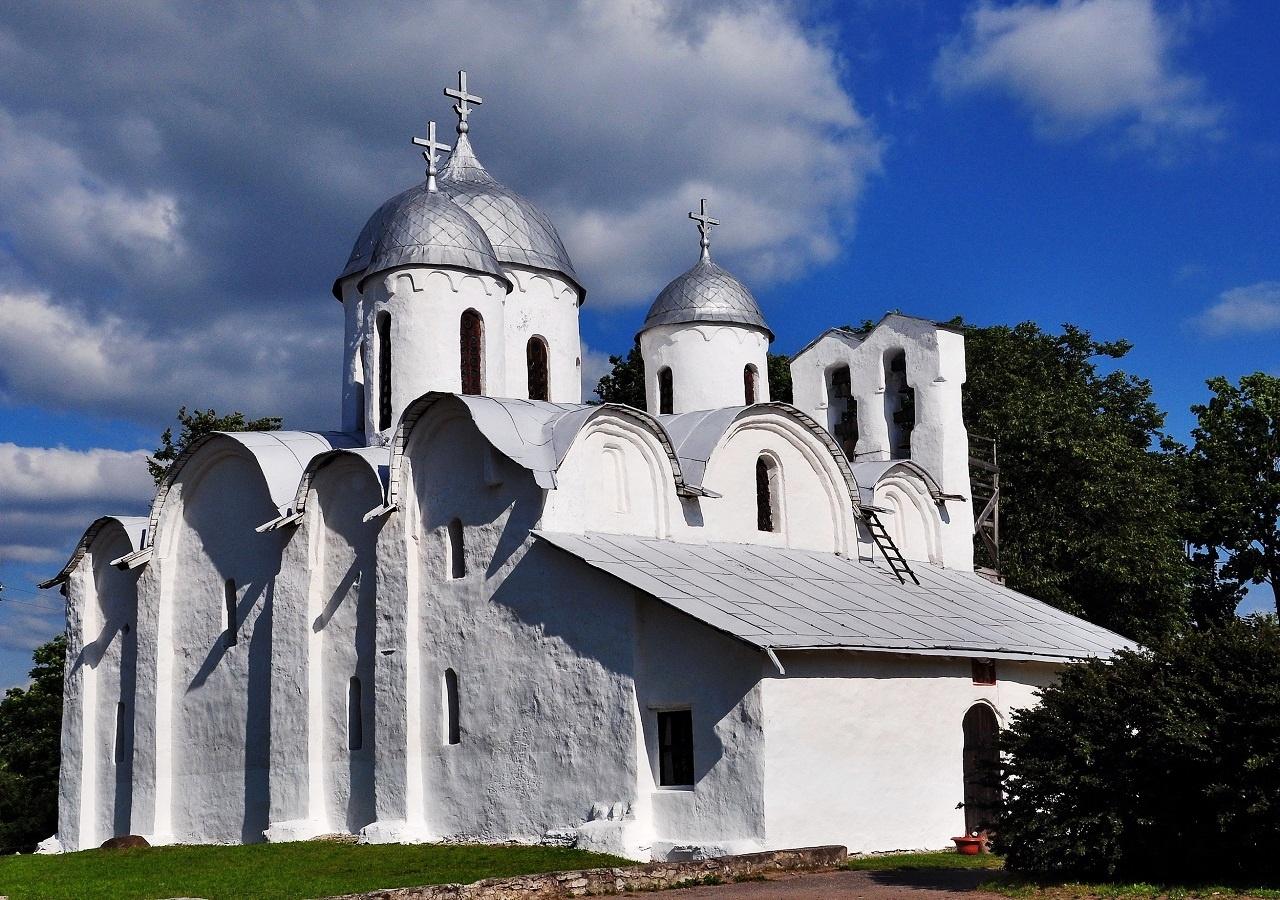 Собор Иоанна Предтечи Ивановского монастыря в Пскове