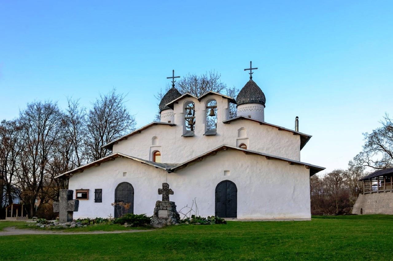 Церковь ПокроваРождества Богородицыот Пролома